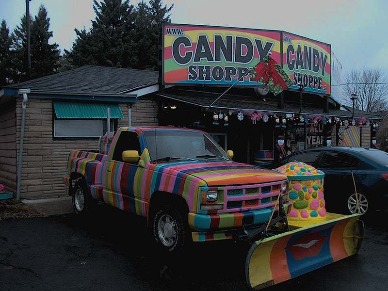 Old fashioned nostalgia candy and collectables on Highway 11 Canada